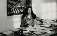 سوزان سانتاگ؛ زنی محصور در میان کتابهایش